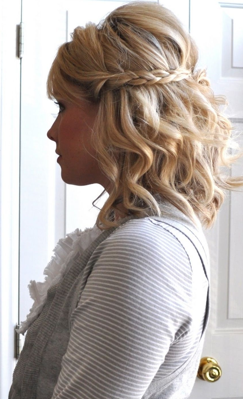 Astonishing Braids For Short Hair Beach And Of Wavy Wedding Within Best And Newest Beach Wedding Hairstyles For Short Hair (View 3 of 15)