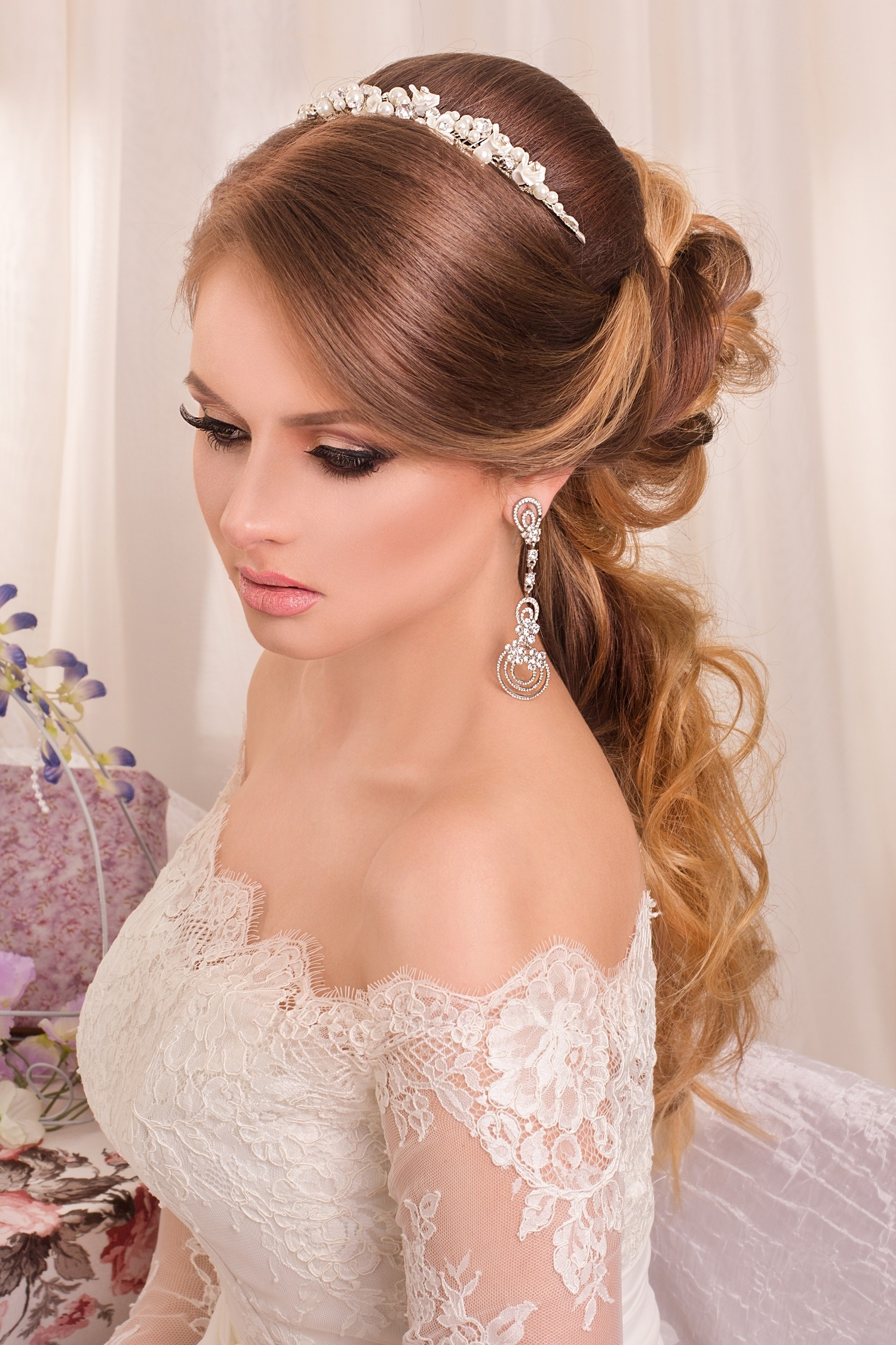 Awesome Bridal Hairstyles With Gowns For Impressive Beauties Throughout Well Known Wedding Hairstyles For Young Brides (View 3 of 15)