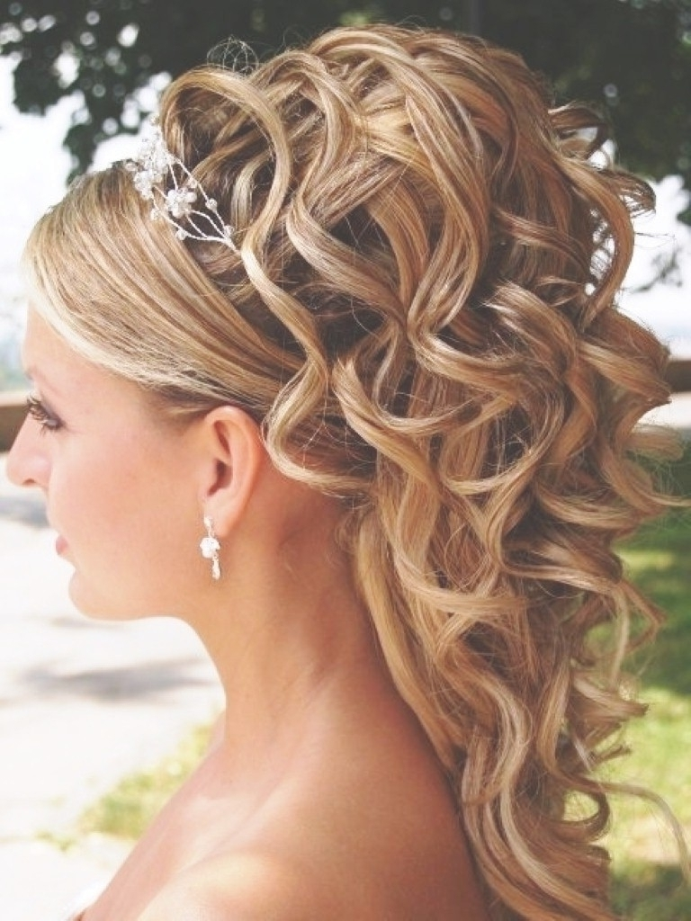 Beautiful Wedding Hairstyles For Fine Hair – Latest Fashion Trends Intended For Popular Wedding Hairstyles For Fine Hair Long Length (View 1 of 15)