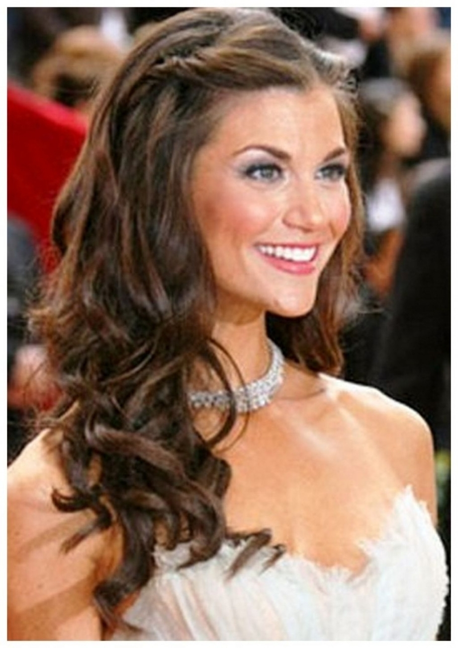 Best And Newest Wedding Hairstyles For Long Hair Down With Flowers For Bridesmaid Hairstyles Long Hair Down Down Hairstyles For Bridal (View 13 of 15)