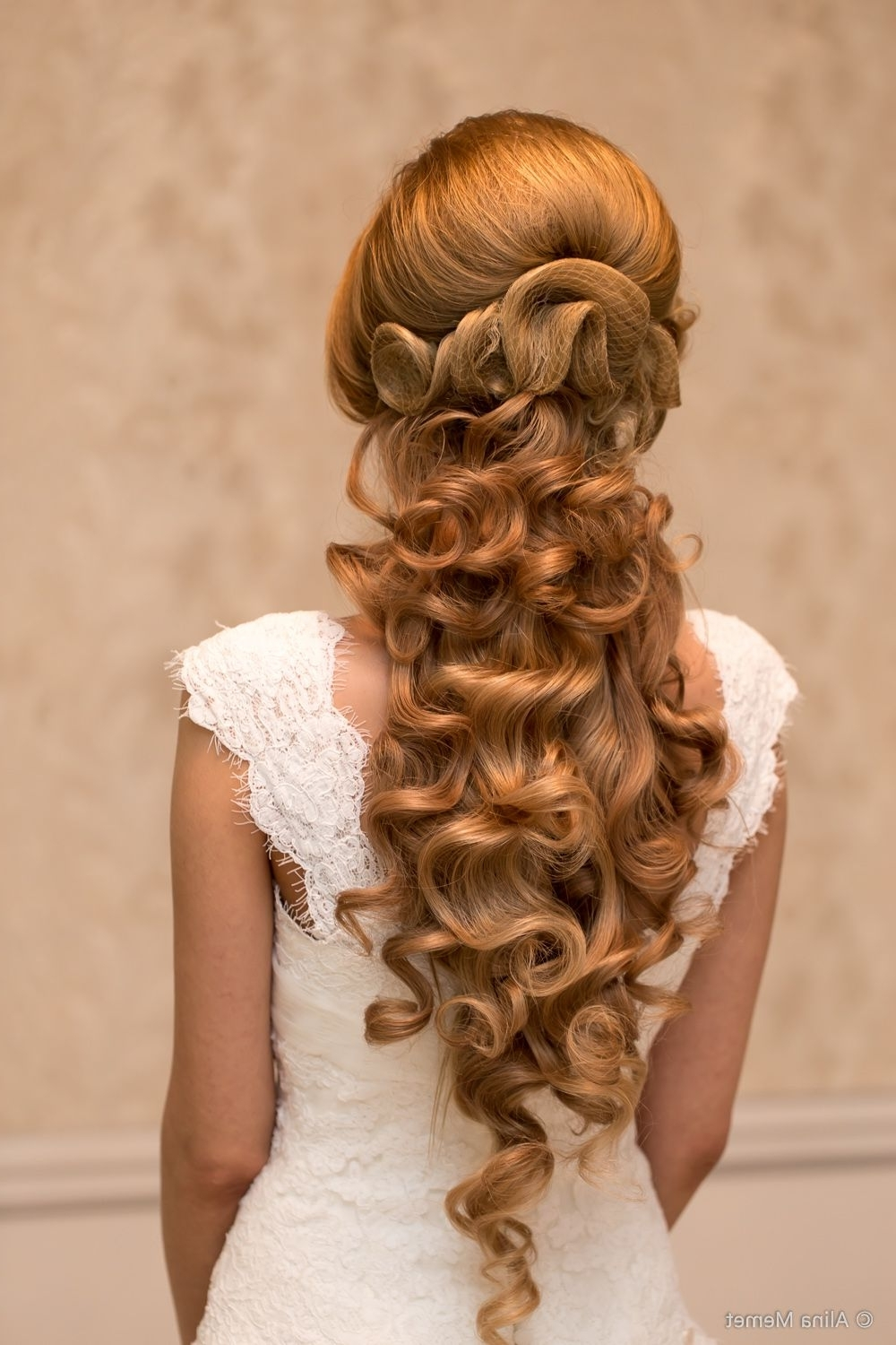 Best And Newest Wedding Hairstyles For Older Ladies With Long Hair Within 10 Classic Hairstyles Tutorials That Are Always In Style (View 4 of 15)