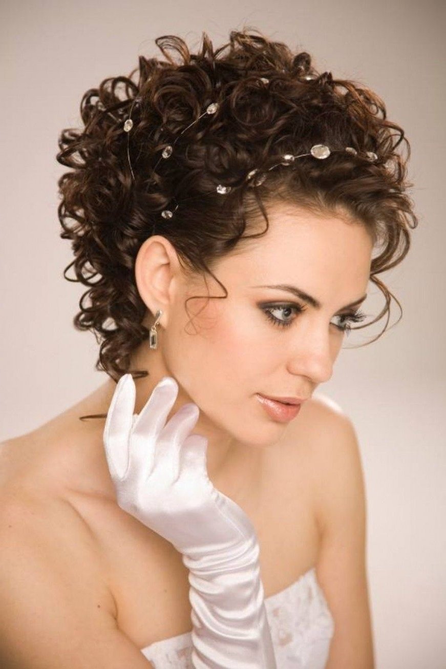Best And Newest Wedding Hairstyles For Short Natural Curly Hair Throughout Wedding Hairstyles For Short Natural Curly Hair (View 3 of 15)