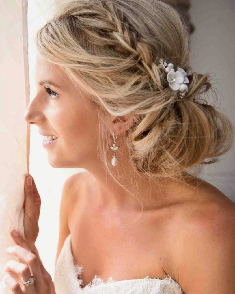 Best Hairstyles And Haircuts For Women With Fashionable Side Bun Wedding Hairstyles (View 8 of 15)