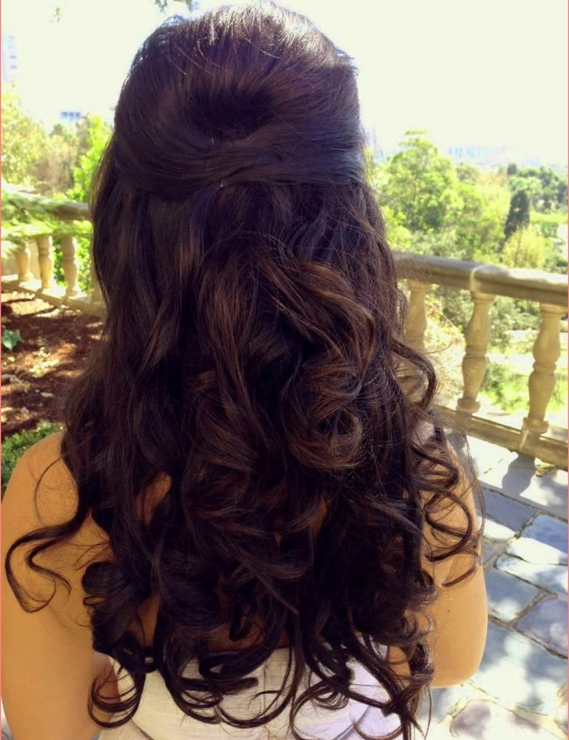 Best Half Up Half Down Wedding Hairstyles Curls – Best Hairstyles With 2018 Half Up Half Down Wedding Hairstyles For Long Hair (View 3 of 15)