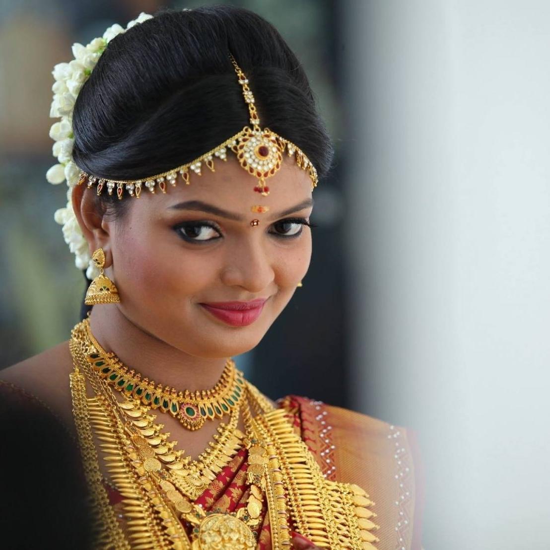 Best Regarding Favorite Hindu Bride Wedding Hairstyles (View 2 of 15)