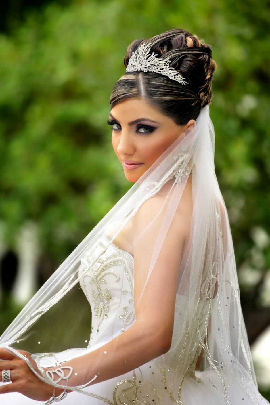 Bridal Hairstyle With Tiara Hairstyles With Tiara Wedding Hairstyles Throughout Well Known Tiara Wedding Hairstyles (View 3 of 15)