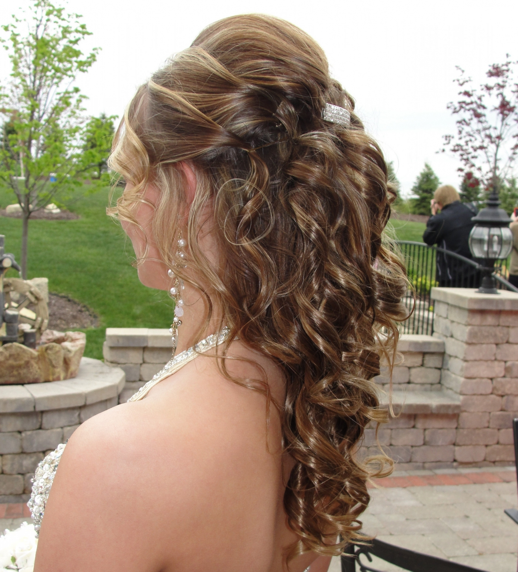 Bridesmaid Hairstyles Down Braid New Half Up Half Down Prom (View 9 of 15)