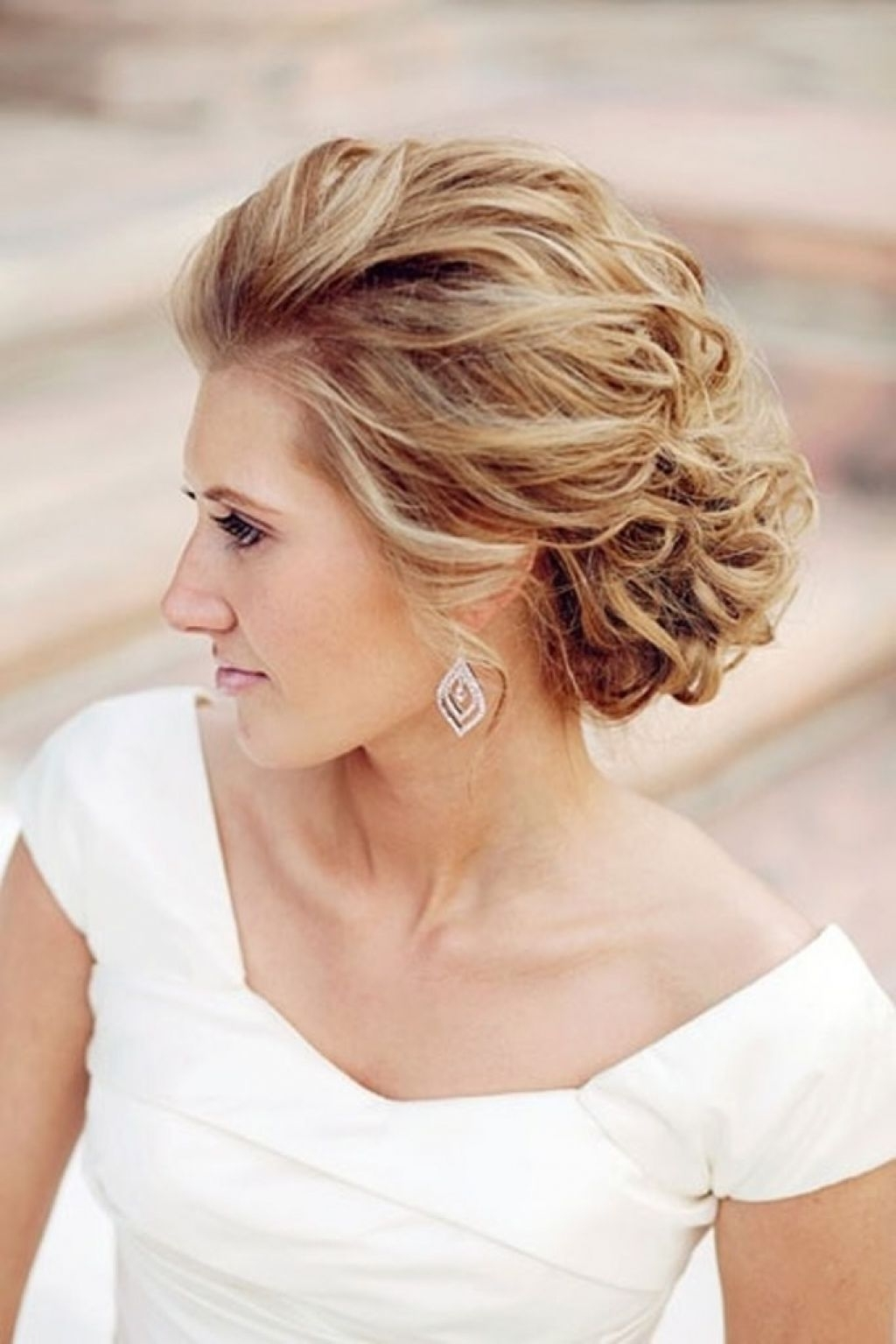 Bridesmaid Hairstyles For Medium Length Hair Wedding Design Ideas With Well Known Wedding Hairstyles For Chin Length Hair (View 8 of 15)