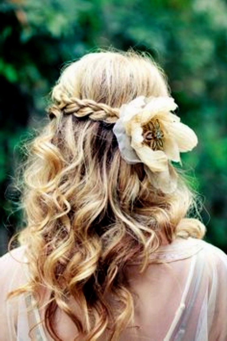 Bridesmaid Hairstyles For Medium Length Hair (View 4 of 15)