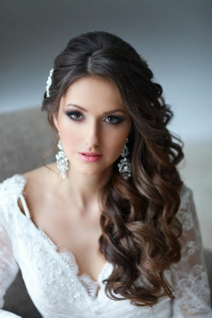 Curly Wedding Hairstyles With Veil Pertaining To Well Known Wedding Hairstyles For Long Curly Hair With Veil (View 4 of 15)