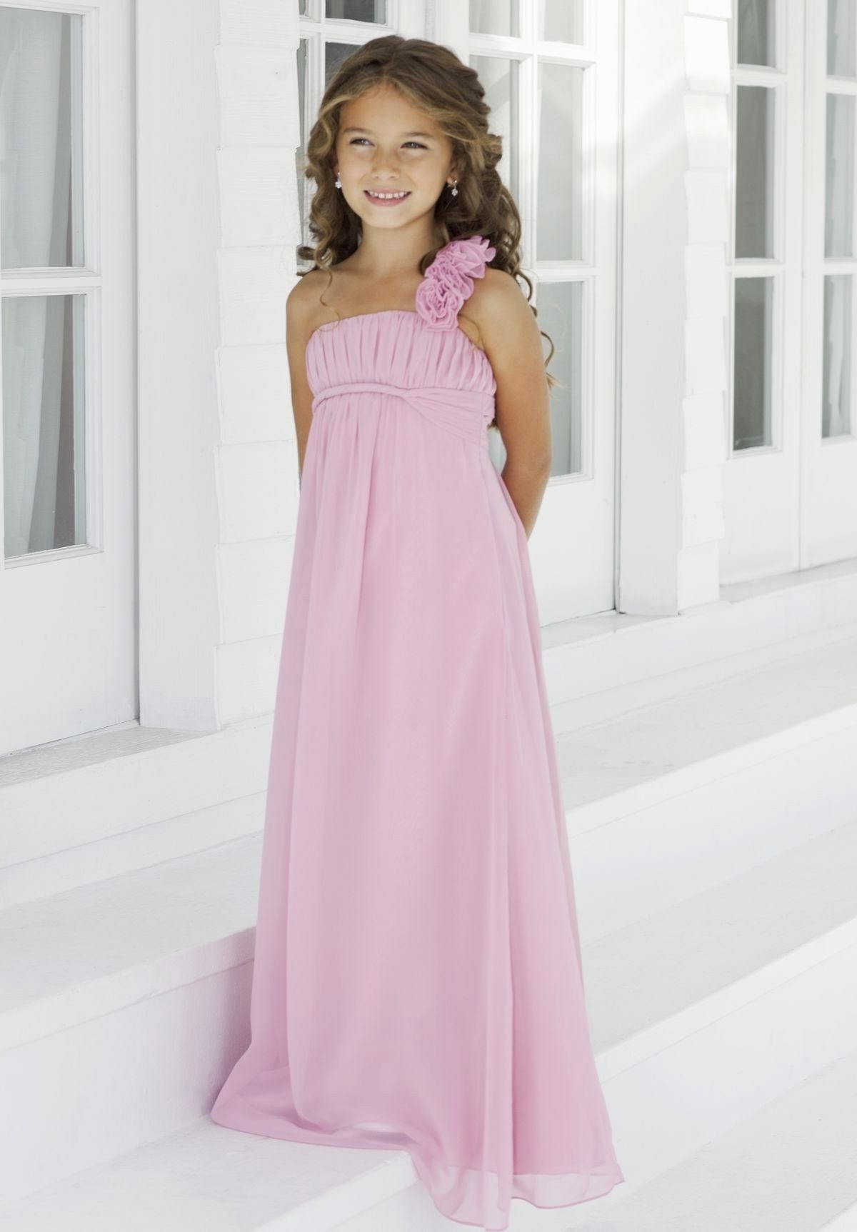 Cute Hairstyles For Junior Bridesmaids (View 4 of 15)