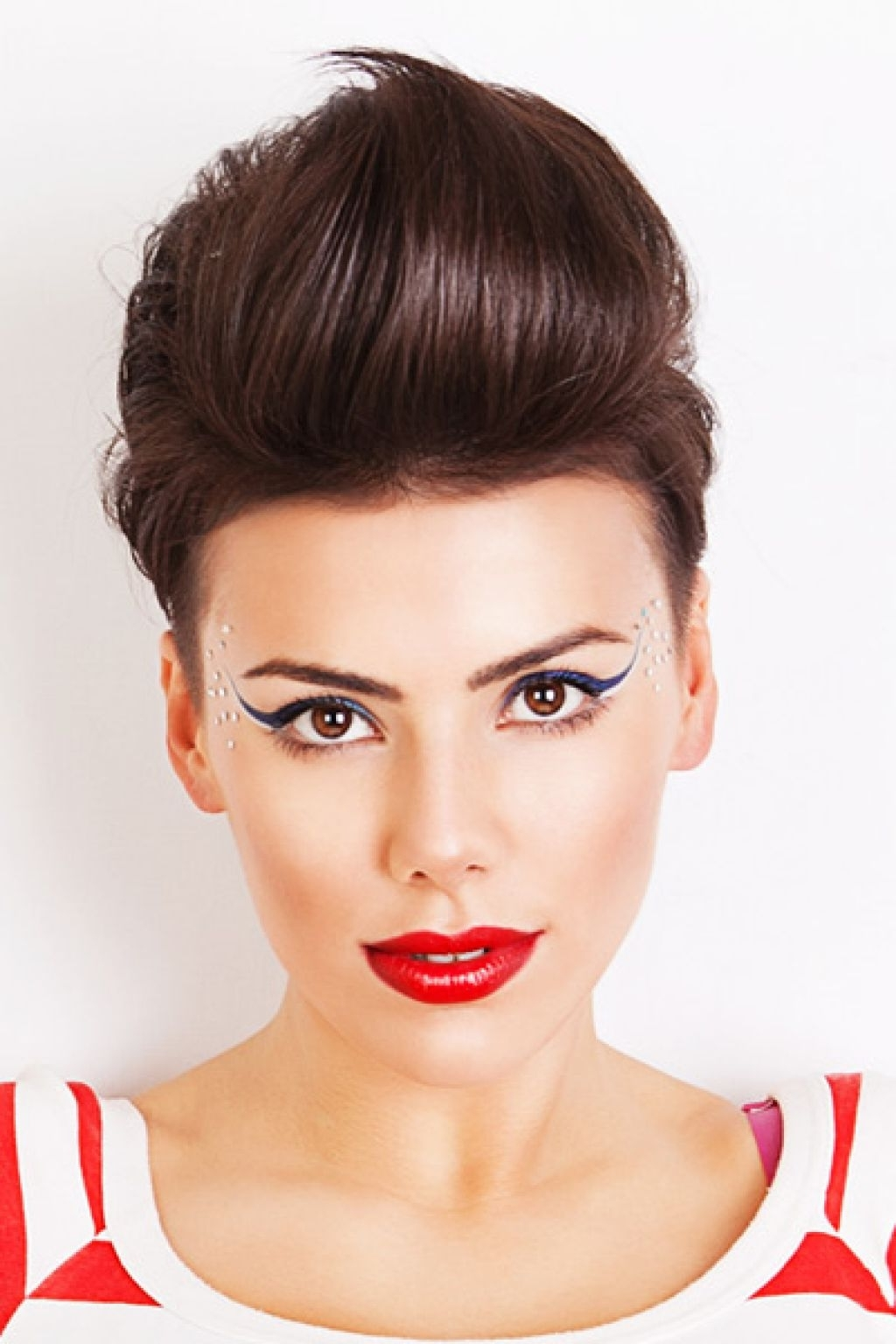 Daring Women Quiff Hairstyles To Make A Statement (View 4 of 15)