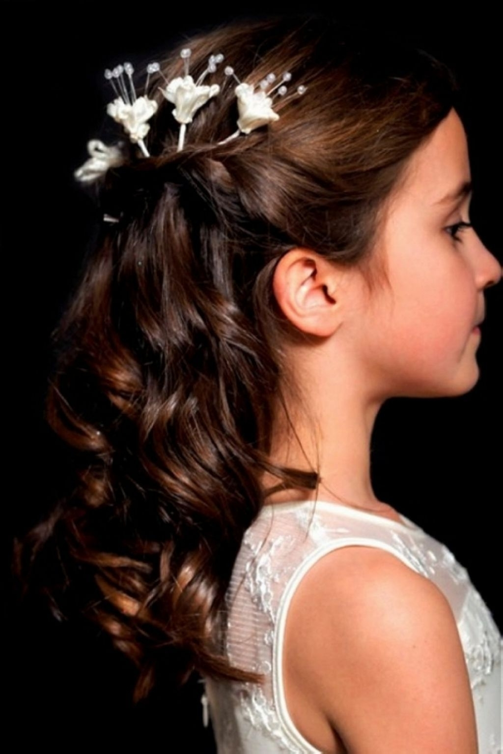 √ 24+ Fresh Hairstyles For Kids Girls: Pictures: Girls Wedding For Fashionable Wedding Hairstyles For Kids (View 14 of 15)