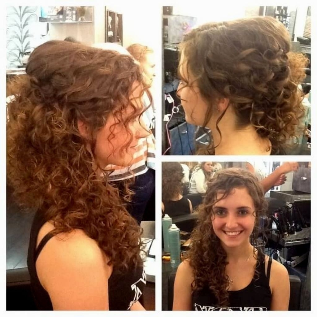 √ 24+ Inspirational Hairstyles For Natural Curly Hair: Wedding Intended For Well Liked Wedding Hairstyles For Naturally Curly Hair (View 4 of 15)