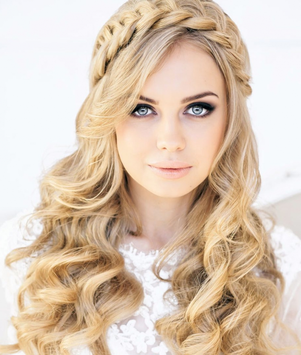 √ 24+ Inspirational Wedding Hairstyles For Bridesmaids: Quick Easy In Current Quick Wedding Hairstyles (View 2 of 15)
