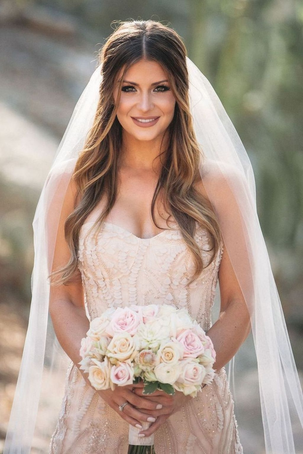 √ 24+ Winning Wedding Hairstyles With Veil: 11 Pretty Hairstyle In Newest Wedding Hairstyles For Long Hair And Veil (View 12 of 15)