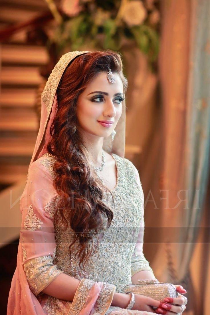 Famous Pakistani Wedding Hairstyles Regarding Latest Pakistani Bridal Hairstyles For Wedding Day Long Hair Stock (View 2 of 15)