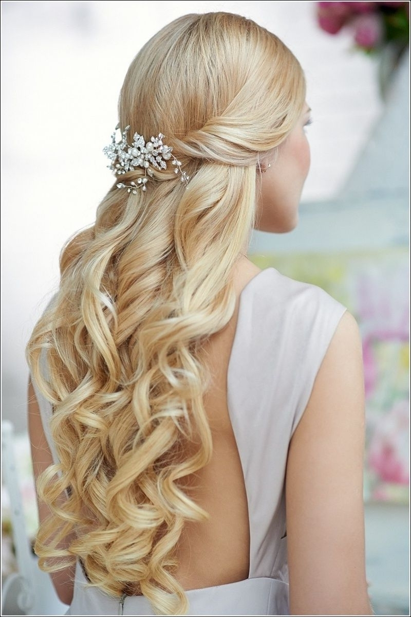 Famous Wedding Hairstyles For Medium Length With Blonde Hair Regarding Half Up Half Down Wedding Hairstyles For Medium Length Hair (Gallery 7 of 15)