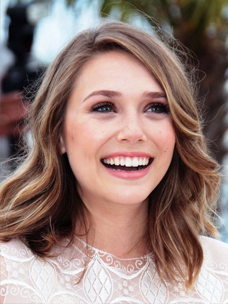 Famous Wedding Hairstyles For Shoulder Length Wavy Hair Intended For Pictures Of Elizabeth Olsen Medium Wavy Hairstyles (View 6 of 15)