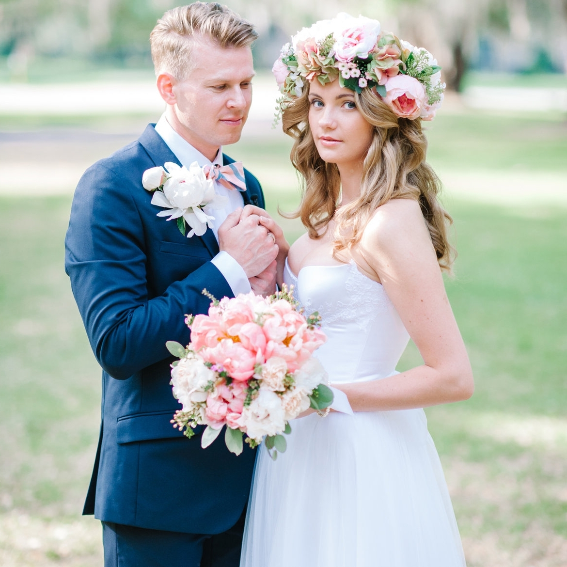 Famous Wedding Hairstyles With Flowers Pertaining To 50+ Stunning Ways To Wear Flowers In Your Hair (View 4 of 15)