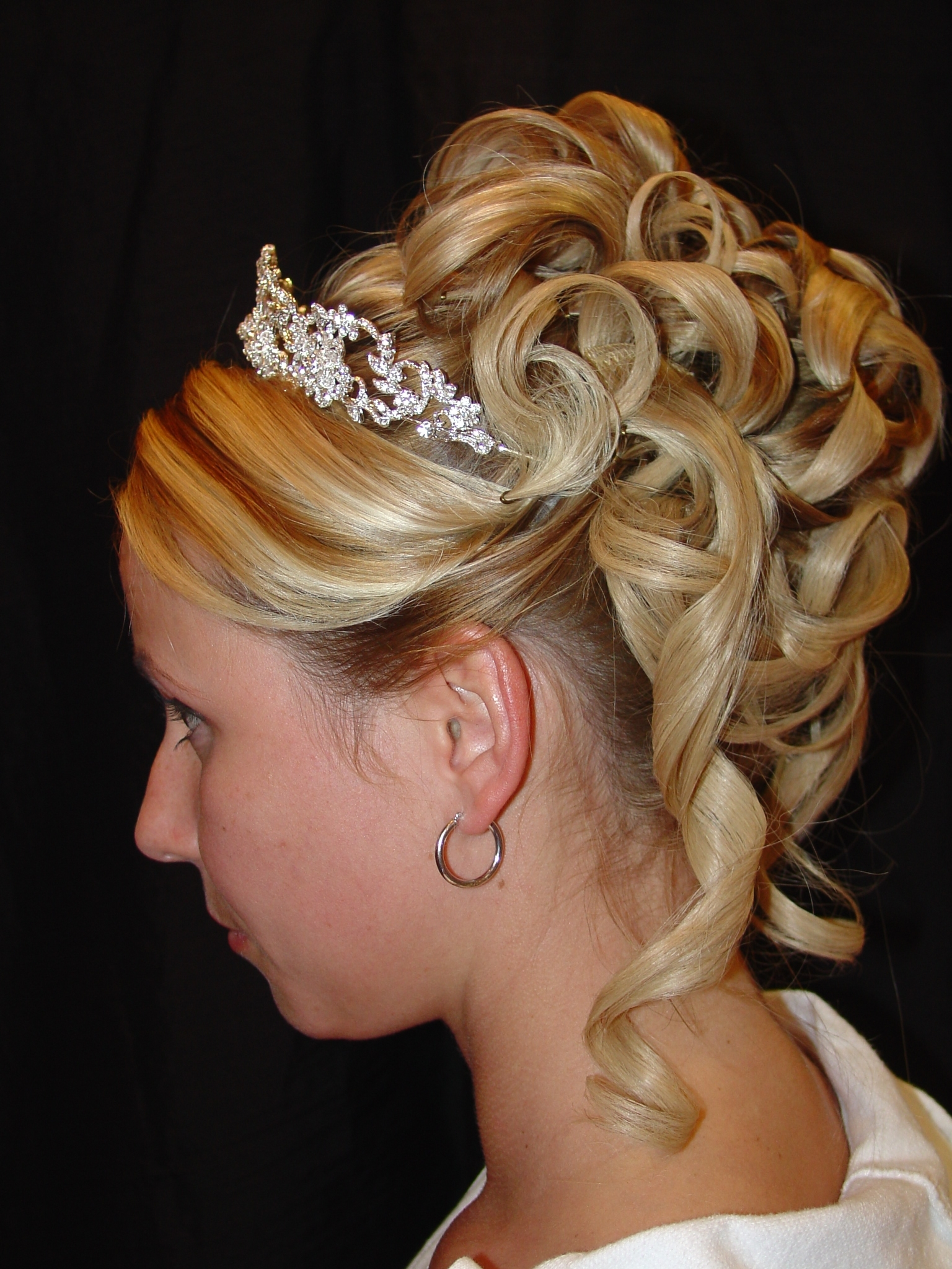 Fashionable Classic Wedding Hairstyles For Medium Length Hair With Regard To Classic Updos For Medium Hair – Hairstyle For Women & Man (View 7 of 15)