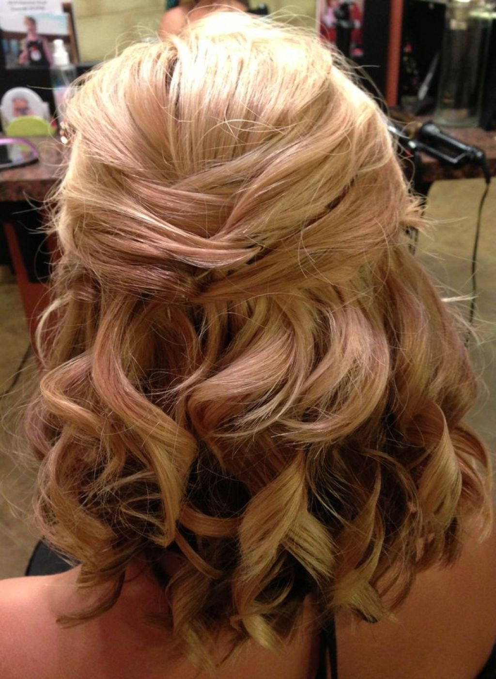 Fashionable Half Up Medium Length Wedding Hairstyles For √ 24+ Wonderful Medium Length Wedding Hairstyles: 65 Half Up Half (View 3 of 15)