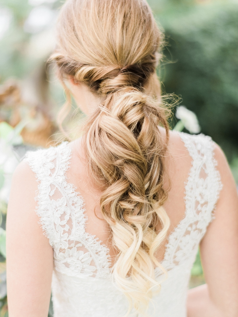 Fashionable Relaxed Wedding Hairstyles Throughout Wedding Hair: Pretty Hairstyles For Brides With Long Hair – Inside (View 8 of 15)