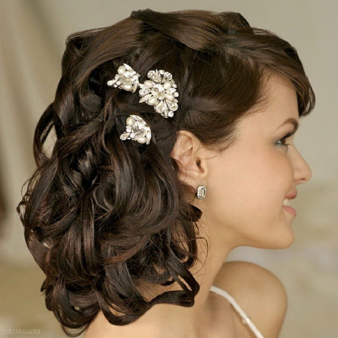 Fashionable Short Wedding Hairstyles Throughout Short Wedding Hairstyle: Lovely Short Hairstyle On Your Special Day (View 13 of 15)