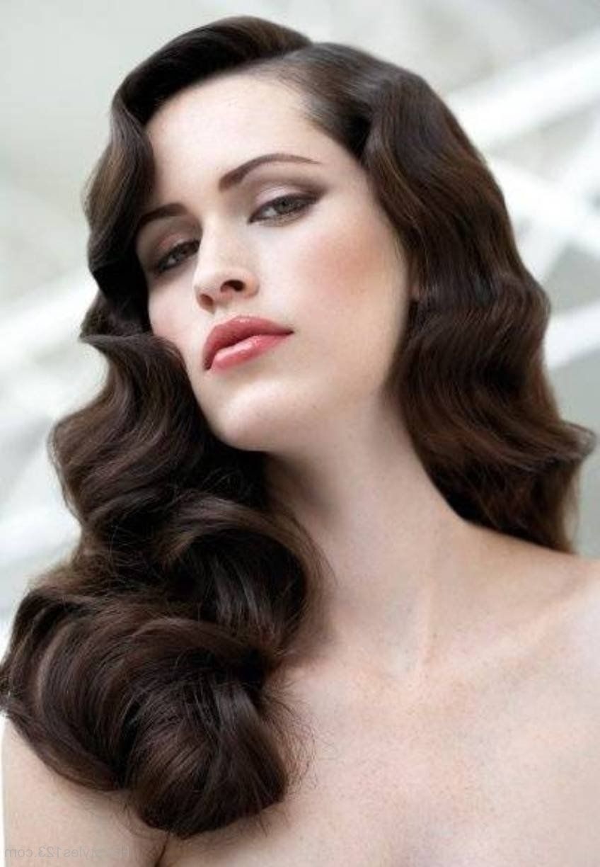 Fashionable Vintage Wave Wedding Hairstyles Throughout Vintage Curly Hairstyles That Are Really Timeless (View 3 of 15)