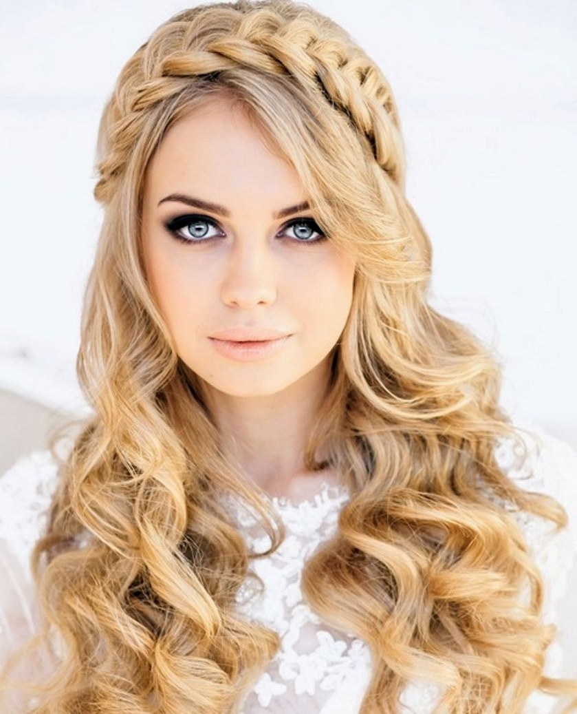 Fashionable Wedding Guest Hairstyles For Long Curly Hair For Curly Hair For Wedding Guest – Hairstyle Pop (View 6 of 15)