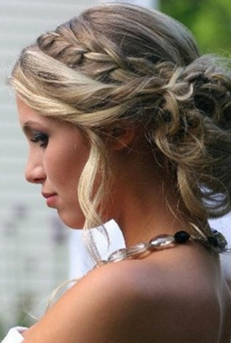 Fashionable Wedding Hairstyles For Medium Length Thick Hair Intended For Photo: Prom Hairstyles Tumblr Thick Shoulder Length Hair Wedding (View 1 of 15)
