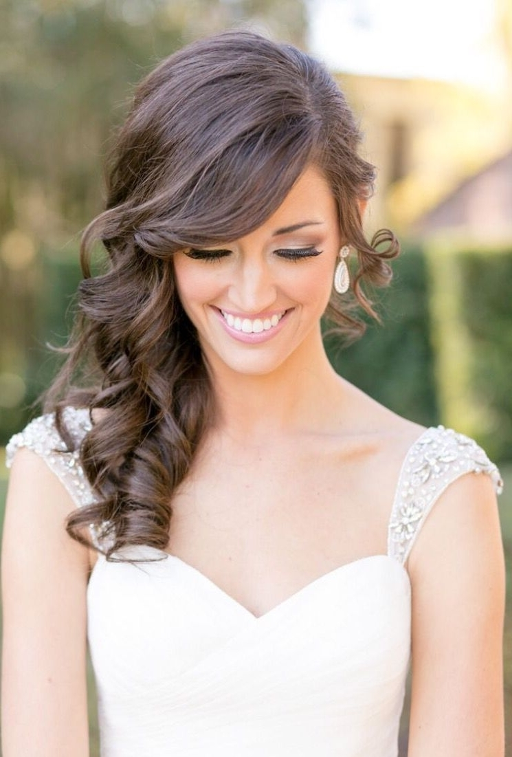 Fashionable Wedding Hairstyles To The Side With Curls Throughout Hair To One Side (View 6 of 15)