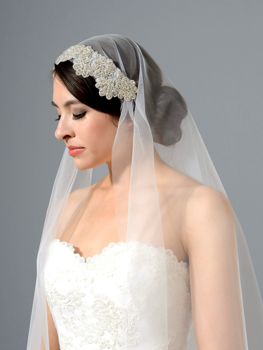 Favorite Bridal Hairstyles For Medium Length Hair With Veil In Great Wedding Hairstyles With Veils (View 4 of 15)