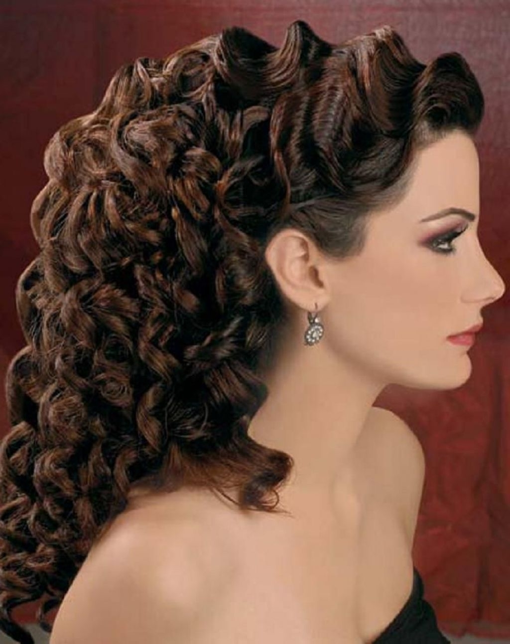 Favorite Wedding Hairstyles For Long Hair With Curls Inside √ 24+ Winning Wedding Hairstyles For Curly Hair: Wedding Hairstyles (View 6 of 15)