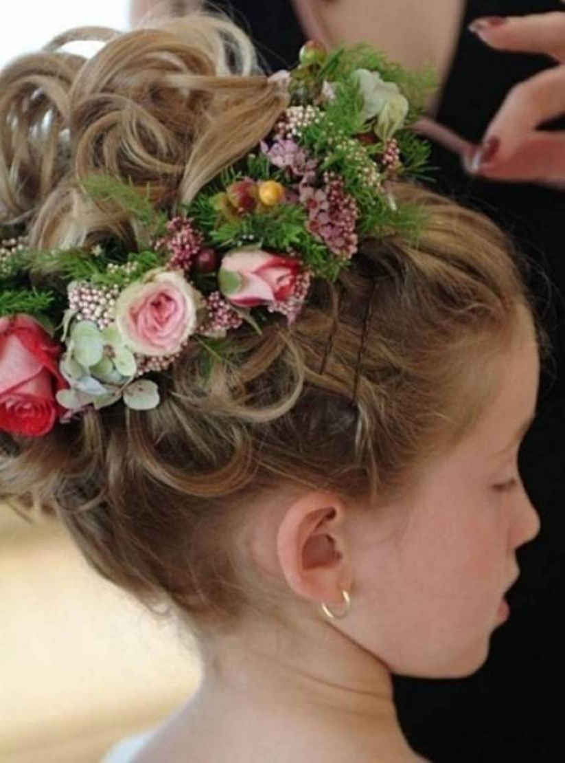 Flower Girl Hairstyles Very Short Hair – Flower Girls Hairstyles For Within Well Known Childrens Wedding Hairstyles For Short Hair (View 7 of 15)