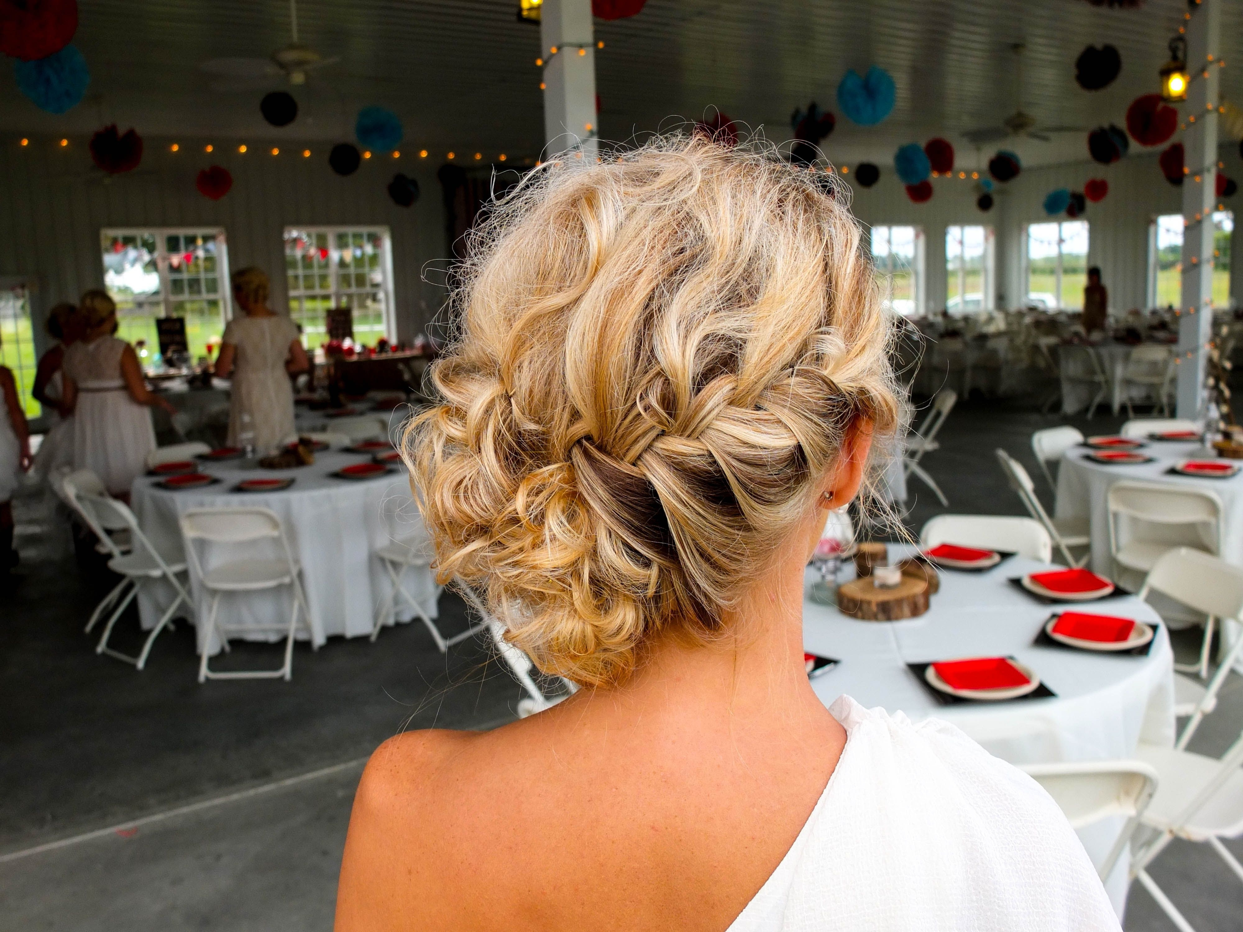 Featured Photo of Outdoor Wedding Hairstyles For Bridesmaids