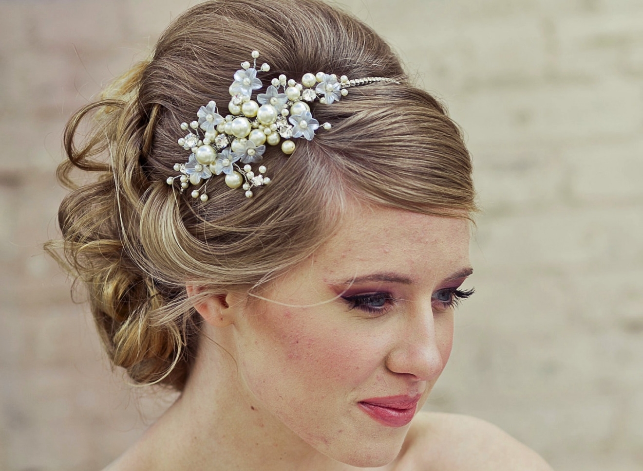 Hairstyles : Elegant Pearl Headband For Wedding Hairstyle (View 5 of 15)
