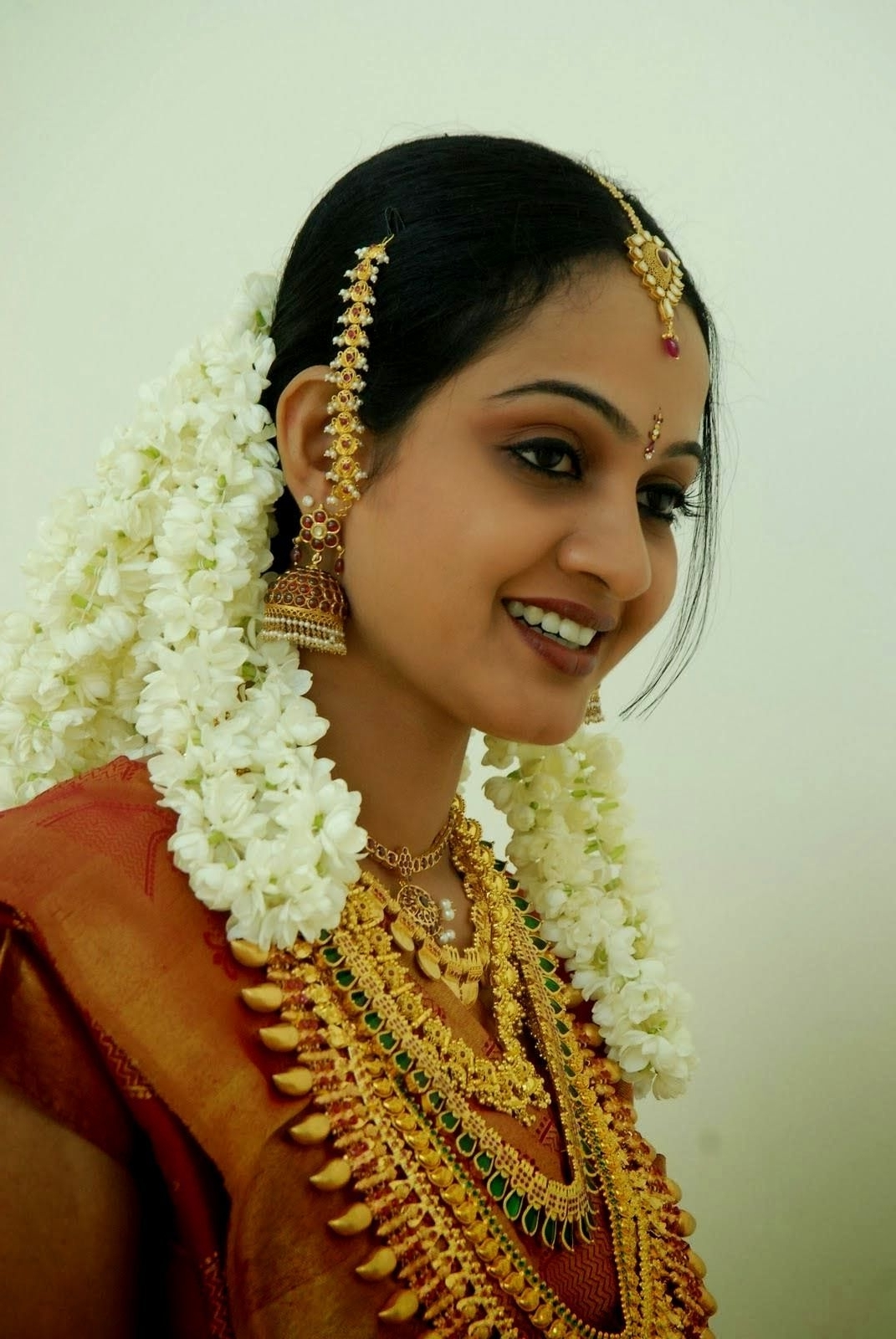 Hindu Wedding Hairstyles Kerala Hindu Bridal Hairstyles Pictures With 2018 Hindu Wedding Hairstyles For Long Hair (View 4 of 15)