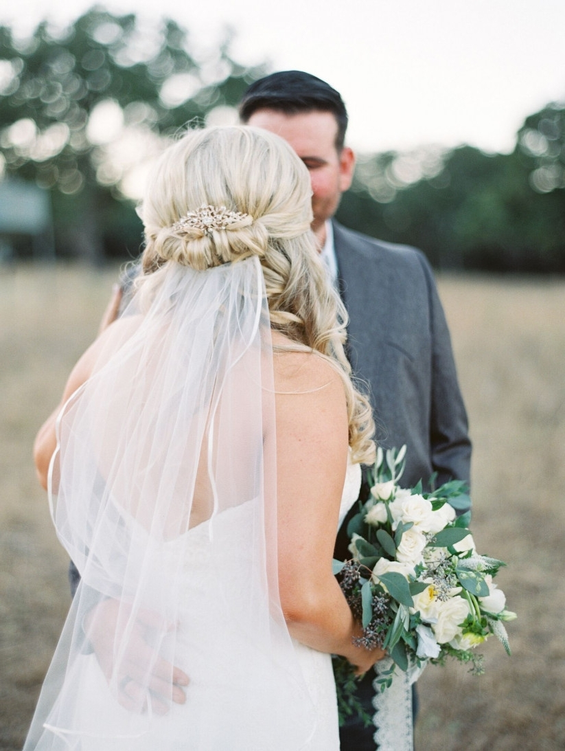 How To Wear A Veil With Every Wedding Hairstyle – Weddingwire With Fashionable Wedding Hairstyles With Veils (View 5 of 15)