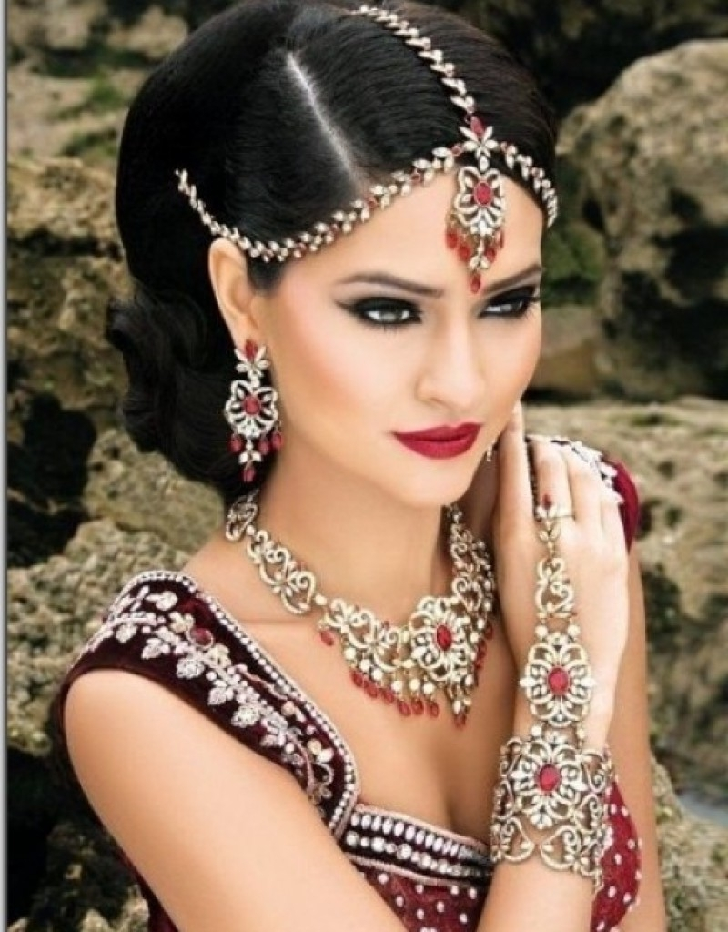 Indian Wedding Hairstyles Best Ideas Of 25 Bridal On Pinterest Throughout 2017 Wedding Hairstyles For Indian Bridesmaids (View 10 of 15)