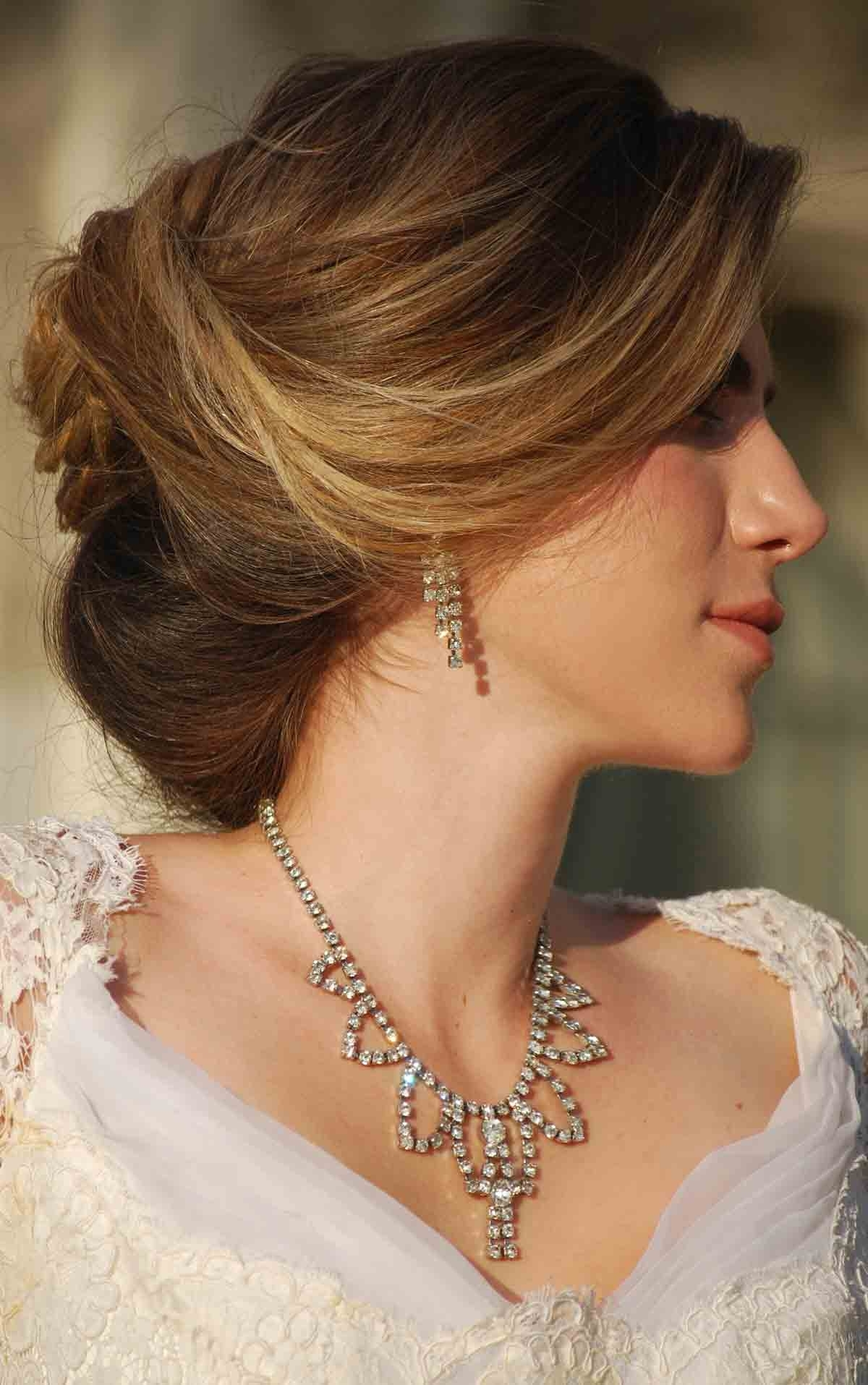 Justswimfl For Well Liked Wedding Hairstyles For Round Face With Medium Length Hair (View 6 of 15)