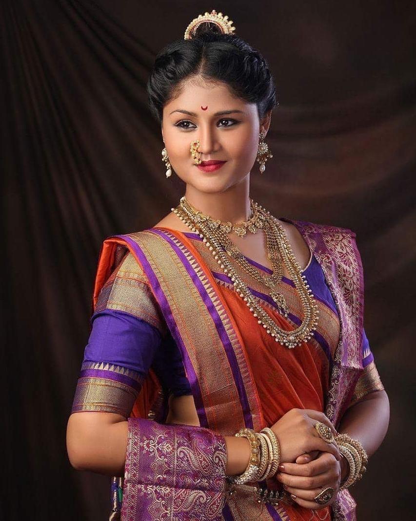 Latest Maharashtrian Wedding Hairstyles For Long Hair In Maharashtrian Peshwai Wedding Makeup And Hairstyle, Pune Mumbai (View 8 of 15)
