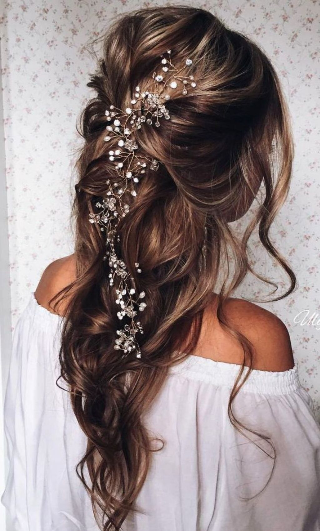 Latest Wedding Hairstyles For Long Hair Down With Flowers Inside √ 24+ Fresh Wedding Hairstyles For Long Hair Down: Wedding (View 8 of 15)