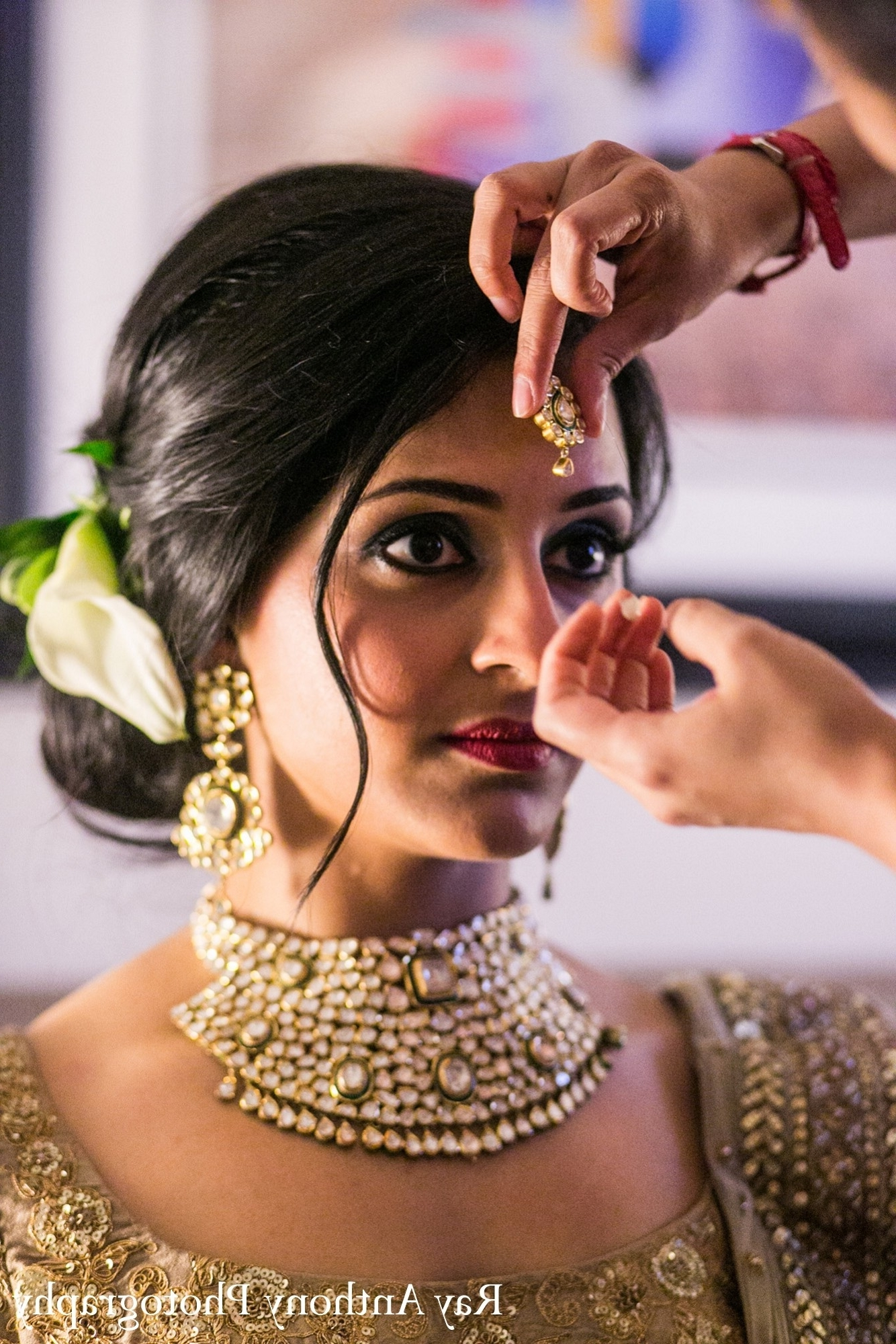 Latest Wedding Reception Hairstyles For Saree Throughout Inspiration Indian Bride Hairstyle For Short Hair In Saree With  (View 6 of 15)