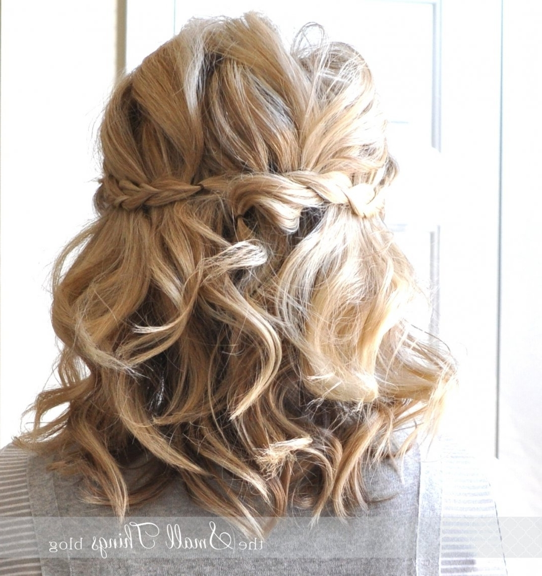 Photo Gallery Of Down Short Hair Wedding Hairstyles Viewing 3 Of 15