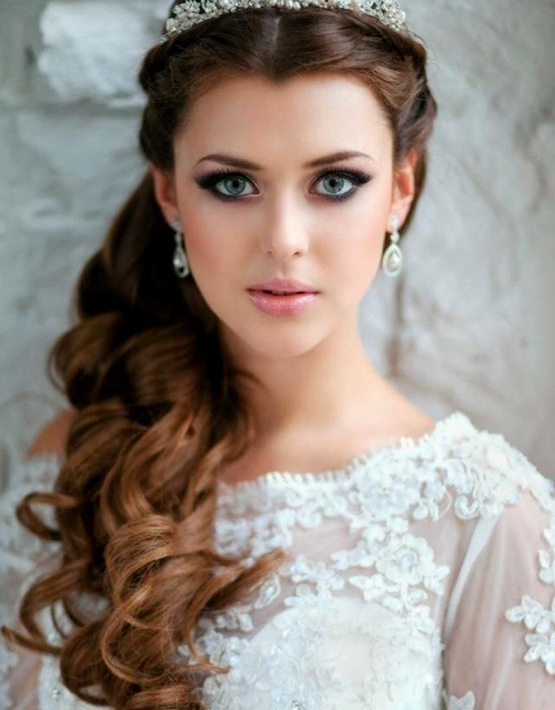 Most Current Wedding Hairstyles For Medium Length Hair With Tiara With Regard To Wedding Hairstyles With Tiara For Medium Length Hair (View 3 of 15)