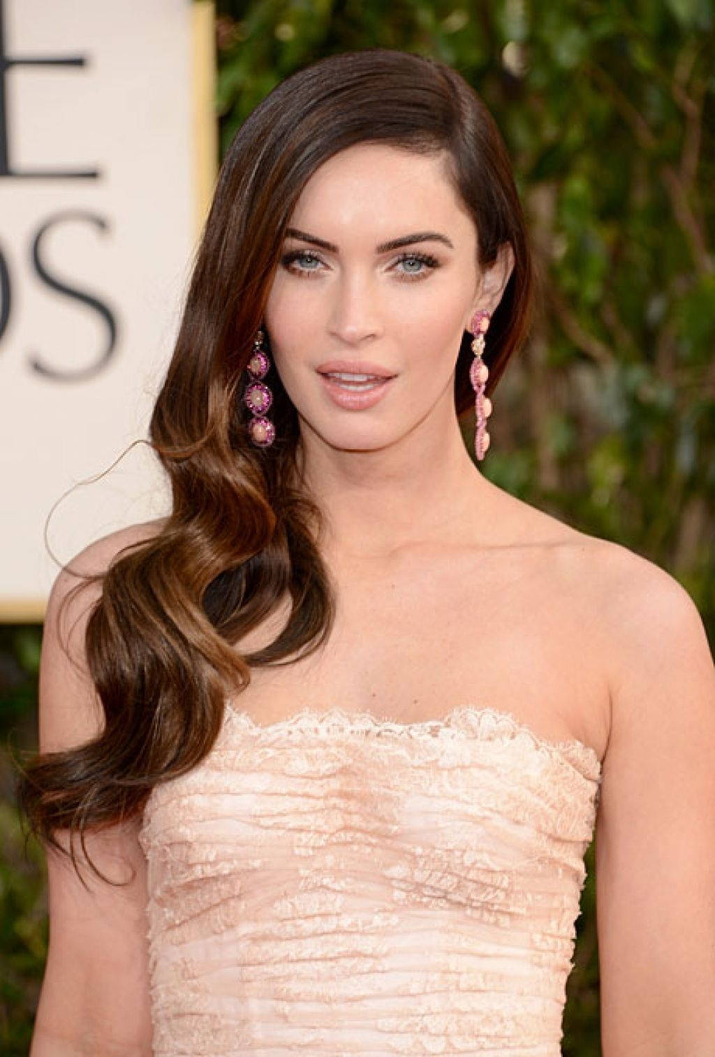 Most Popular Celebrity Wedding Hairstyles For Wedding Hairstyle Idea Megan Foxs Wavy Side Swept Twist (View 6 of 15)