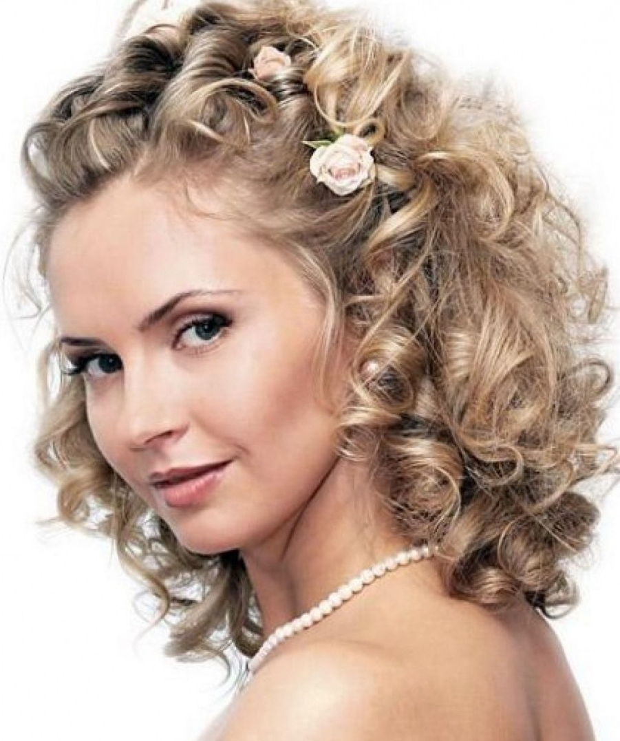 Most Popular Wedding Hairstyles For Short Curly Hair With Regard To Hairstyle For Short Curly Hair With Round Wedding Hairstyles Updo (View 2 of 15)