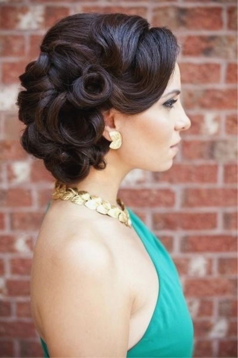 Most Recently Released Vintage Wedding Hairstyles For Medium Length Hair With Vintage Wedding Updos For Long Hair11 Vintage Updos For Long Hair (View 5 of 15)