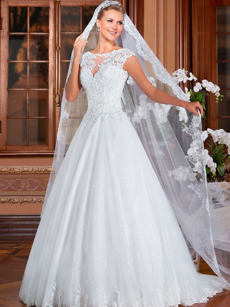 Most Recently Released Wedding Hairstyles For Long Hair And Veil Within Photo: Wedding Hairstyles With Long Veil Compare Prices On Long Hair (View 7 of 15)